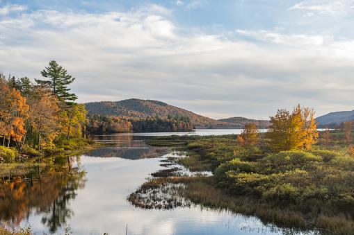 Adirondack Forest Preserve「Scenic Lewey Lake Landscape in the New York Adirondack Mountains in Autumn」:スマホ壁紙(4)