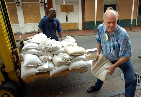 Sandbag「Gulf Coast Area Braces For Hurricane Gustav」:写真・画像(4)[壁紙.com]