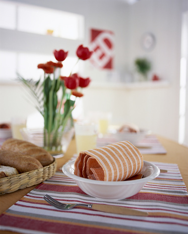 Dining Table「Bread and bowl on table with flowers」:スマホ壁紙(10)