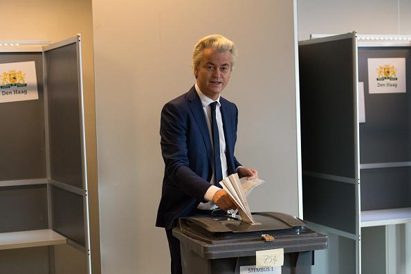 オランダ「Geert Wilders Casts His Vote In The Dutch General Election」:写真・画像(19)[壁紙.com]