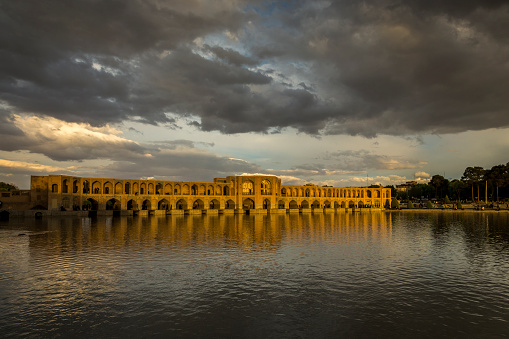 Iranian Culture「Khaju Bridge over the Zayandeh River」:スマホ壁紙(4)