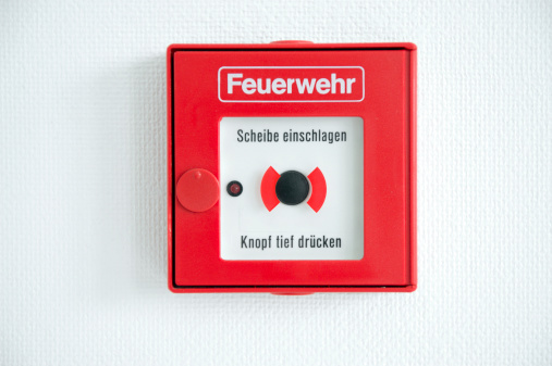 Accidents and Disasters「German fire alarm box on a wall」:スマホ壁紙(17)