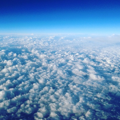 スクエア「Cloud cover over France from airplane window」:スマホ壁紙(16)