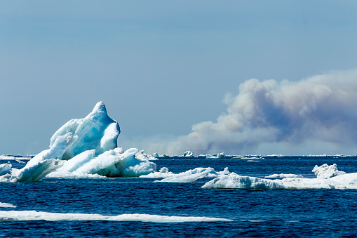 Pack Ice「Forest Fire and Sea Ice, Hudson Bay, Canada」:スマホ壁紙(8)