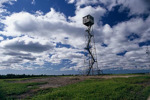 Calais「Forest Fire Tower」:スマホ壁紙(10)