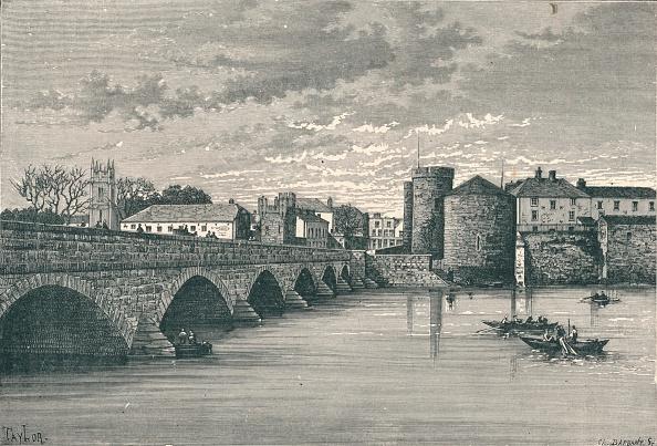 Engraving「Limerick - Thomond Bridge and King John's Castle, 1896.」:写真・画像(16)[壁紙.com]