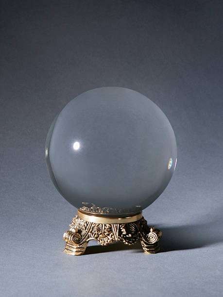 Crystal ball against gray background:スマホ壁紙(壁紙.com)