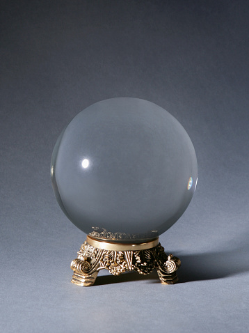 Forecasting「Crystal ball against gray background」:スマホ壁紙(16)
