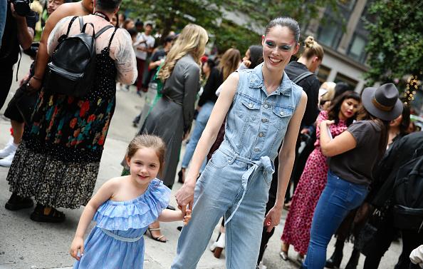 ニューヨークファッションウィーク「Street Style - New York Fashion Week September 2019 - Day 3」:写真・画像(1)[壁紙.com]