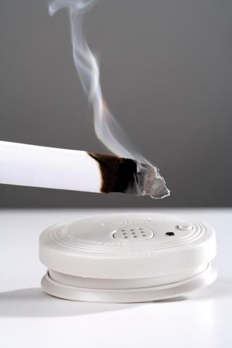 Smoke Detector「Burning cigarette by smoke detector」:スマホ壁紙(18)