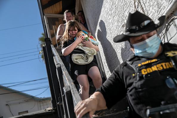 Arizona「Evictions Continue Despite CDC Moratorium As COVID-19 Ravages U.S. Economy」:写真・画像(19)[壁紙.com]