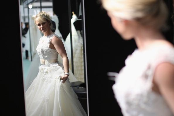 Wedding Dress「Visitors Enjoy The National Wedding Show At Olympia」:写真・画像(11)[壁紙.com]