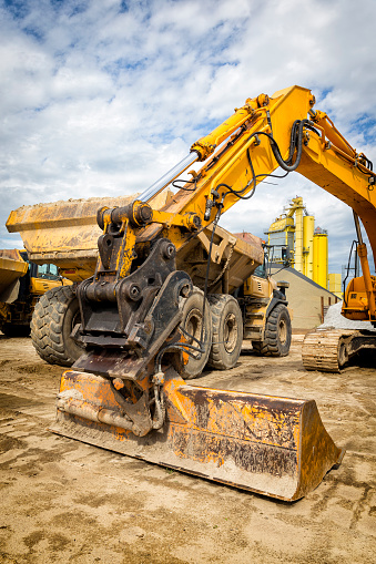 Road Construction「Road construction machinery on the construction of highway」:スマホ壁紙(1)