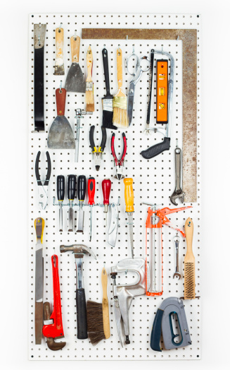 Hand Tool「Tools hanging On An Organized pegboard」:スマホ壁紙(19)