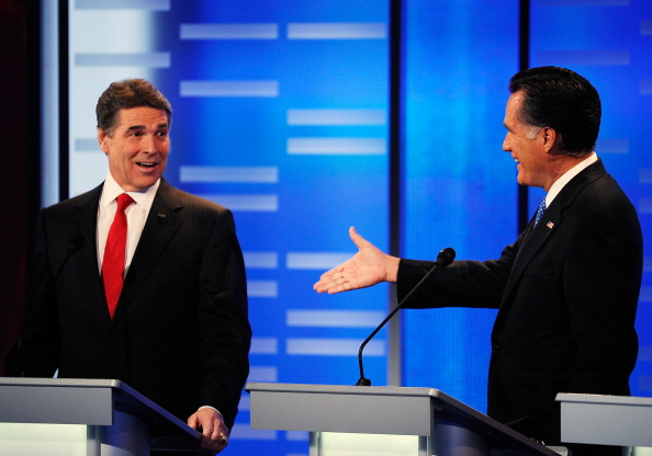 Human Arm「Drake University Hosts ABC News GOP Presidential Debate」:写真・画像(9)[壁紙.com]