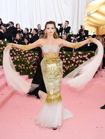 Embellished Dress「The 2019 Met Gala Celebrating Camp: Notes on Fashion - Arrivals」:写真・画像(9)[壁紙.com]