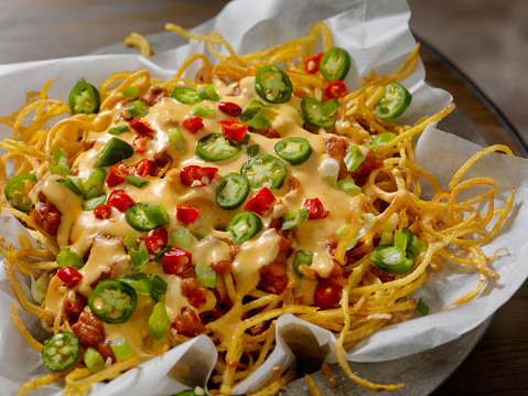 Chili Con Carne「Nacho Style Thin and Crispy Spiral Fries with Chili and Cheese Sauce」:スマホ壁紙(6)