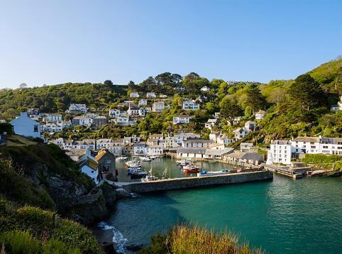 Fishing Village「UK, England, Cornwall, Polperro, fishing harbor with retaining wall」:スマホ壁紙(3)