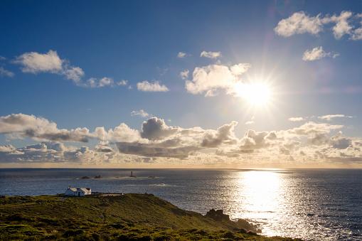 Back Lit「UK, England, Cornwall, Land's End, Longships Lighthouse」:スマホ壁紙(18)