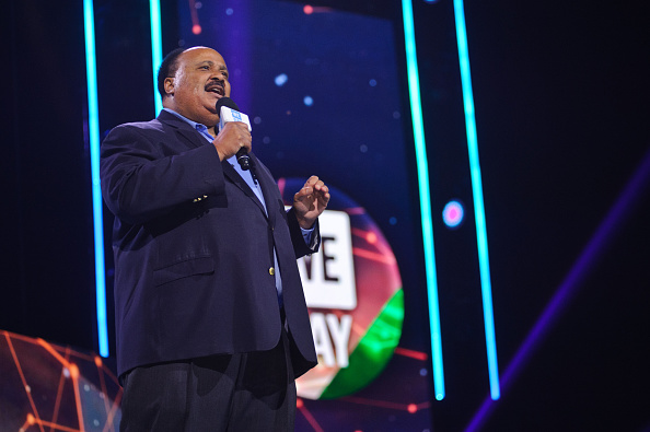 J R Smith「Ciara, Martin Luther King III, Jordan Smith, Paula Abdul, Nico & Vinz And J.R. Martinez Come Together At WE Day Illinois To Celebrate The Power Young People Have To Change The World」:写真・画像(19)[壁紙.com]
