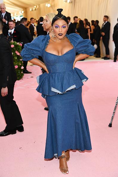 Scooped Neck「The 2019 Met Gala Celebrating Camp: Notes on Fashion - Arrivals」:写真・画像(12)[壁紙.com]