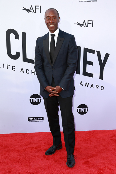 Don Cheadle「American Film Institute's 46th Life Achievement Award Gala Tribute to George Clooney - Arrivals」:写真・画像(17)[壁紙.com]