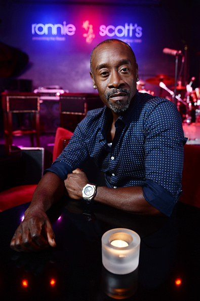 ドン チードル「Don Cheadle Visits Legendary London Jazz Venue Ronnie Scott's Ahead Of Release Of Miles Davis Film 'Miles Ahead'」:写真・画像(16)[壁紙.com]