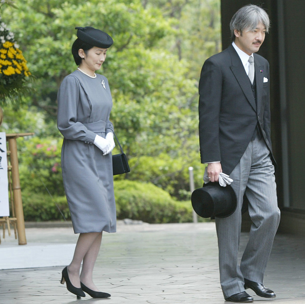Japanese Royalty「Ceremony to Honor Unidentified Japanese Who Died During WWII」:写真・画像(0)[壁紙.com]