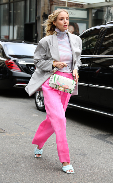 Pink Color「Street Style - Day 3 - New York Fashion Week February 2020」:写真・画像(17)[壁紙.com]