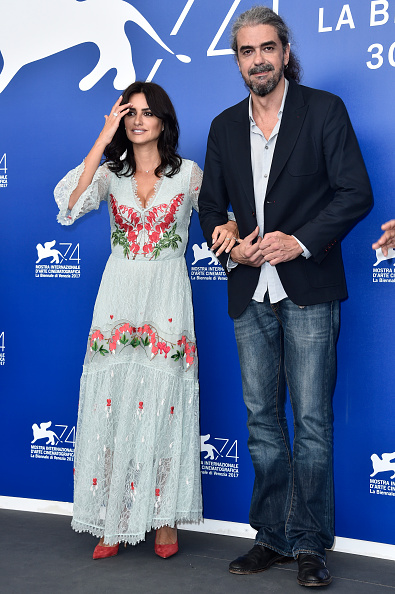 Fernando Leon「Loving Pablo Photocall - 74th Venice Film Festival」:写真・画像(8)[壁紙.com]
