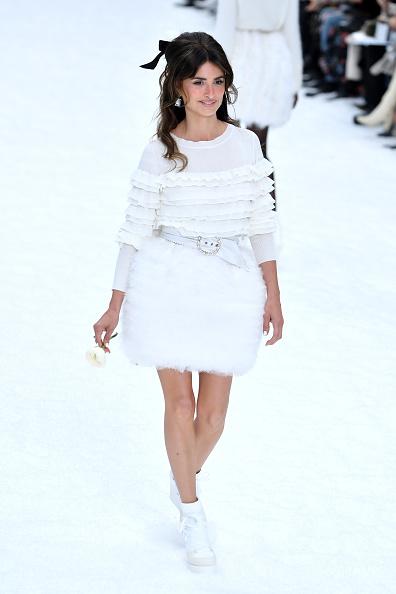 Chanel「Chanel : Runway - Paris Fashion Week Womenswear Fall/Winter 2019/2020」:写真・画像(9)[壁紙.com]