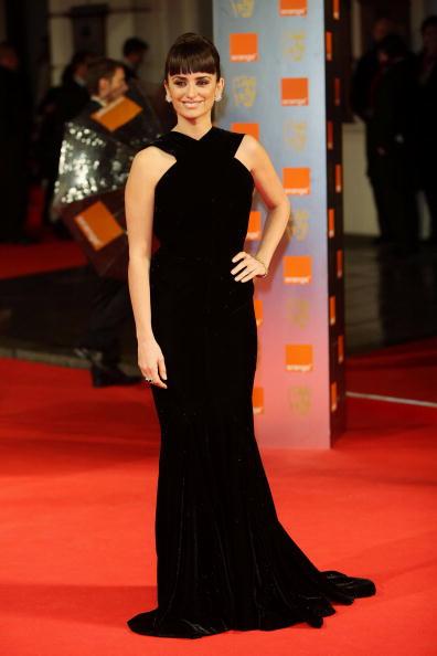 Halter Top「The Orange British Academy Film Awards 2009 - Arrivals」:写真・画像(17)[壁紙.com]