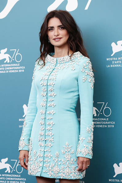 "Blue Dress「""Wasp Network"" Photocall - The 76th Venice Film Festival」:写真・画像(11)[壁紙.com]"