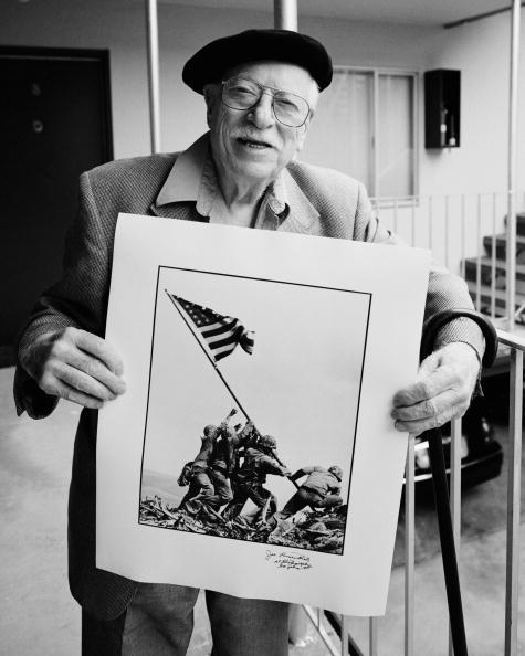 Pulitzer Prize「Rosenthal Poses With Winning Photograph」:写真・画像(9)[壁紙.com]