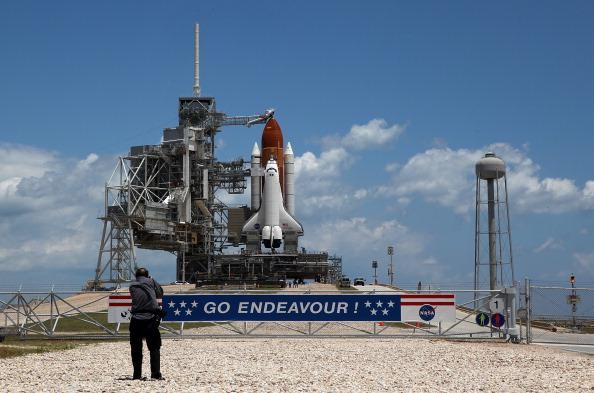 Space Shuttle Endeavor「NASA Prepares For Space Shuttle Endeavour's Launch」:写真・画像(16)[壁紙.com]