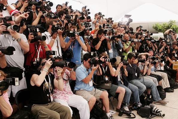 Large Group Of People「Cannes - 'Paris Je T'aime' Photocall」:写真・画像(5)[壁紙.com]