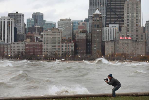 """""""Frankenstorm"""" Generates Large Waves On Lake Michigan:ニュース(壁紙.com)"""