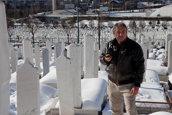 Tom Stoddart「Women Of Sarajevo - Revisited」:写真・画像(4)[壁紙.com]