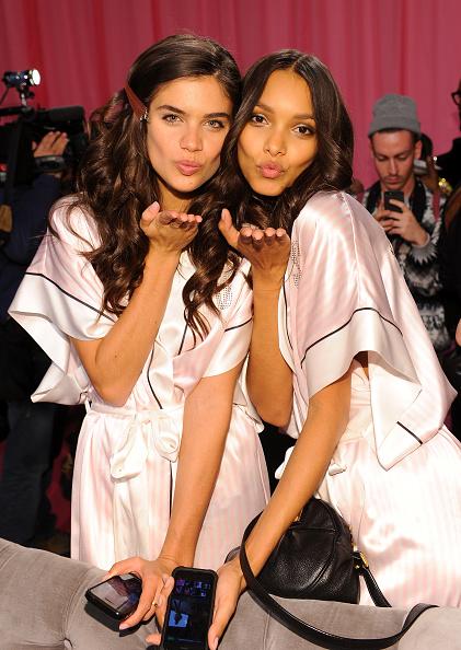 Lais Ribeiro「2013 Victoria's Secret Fashion Show - Hair & Makeup」:写真・画像(15)[壁紙.com]