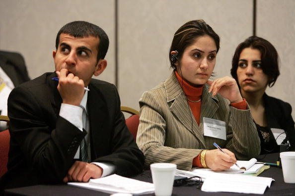 Joe Raedle「Iraqi Students Attend Moot Court Competition For First Time」:写真・画像(4)[壁紙.com]