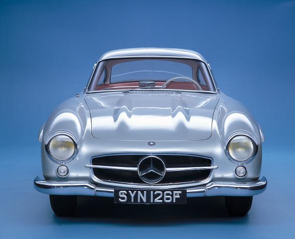 Front View「1957 Mercedes Benz 300SL Gullwing」:写真・画像(15)[壁紙.com]