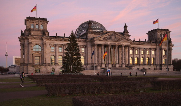 The Reichstag「SPD And CDU/CSU Seal New Coalition Government」:写真・画像(19)[壁紙.com]