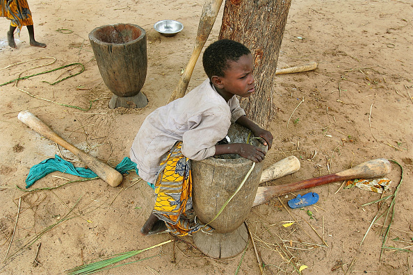 Mortar and Pestle「Impoverished Niger Battles Against Famine」:写真・画像(17)[壁紙.com]