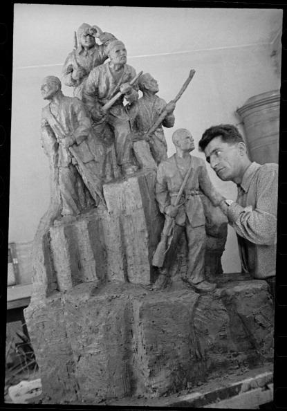Uzbekistan「Sculptor」:写真・画像(10)[壁紙.com]