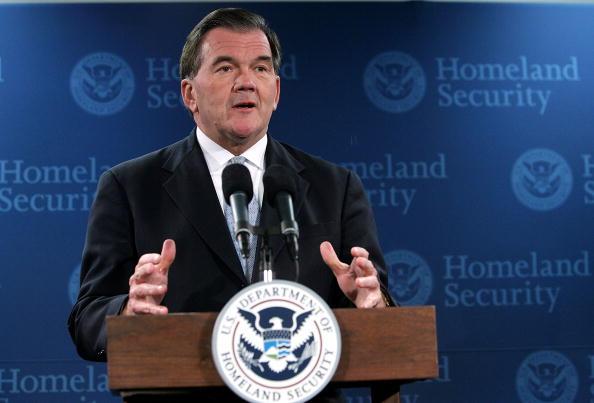 Tom Ridge「Homeland Security Secretary Tom Ridge Announces His Resignation」:写真・画像(5)[壁紙.com]