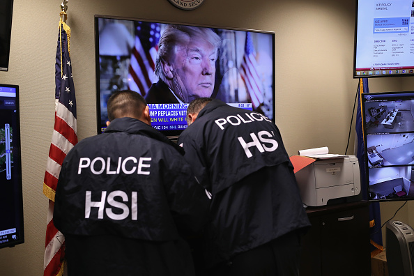 Arrest「Federal Agents Target Immigrant Gangs On Long Island」:写真・画像(13)[壁紙.com]