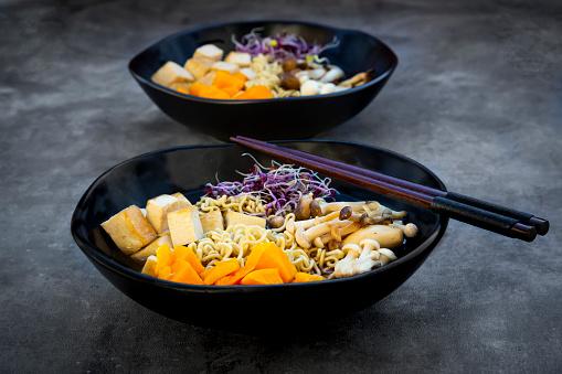 ヒラタケ「Miso Ramen soup with noodles, hokaido pumpkin, red radish sprouts, fried tofu, shimeji mushroom and king trumpet mushroom」:スマホ壁紙(15)