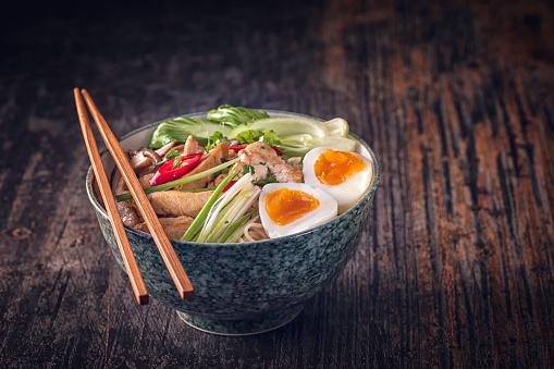 ヒューマンインタレスト「味噌ラーメン スープ」:スマホ壁紙(1)