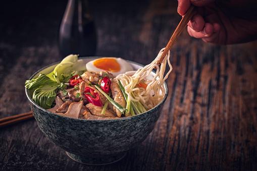 ヒューマンインタレスト「味噌ラーメン スープ」:スマホ壁紙(13)