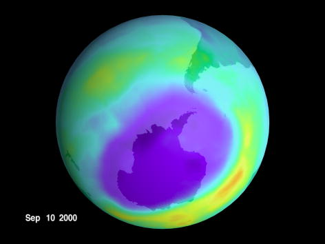 Hole「Giant Hole Found in Earth's Ozone」:写真・画像(2)[壁紙.com]